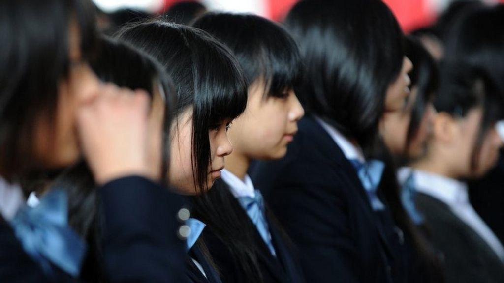 Japan teen forced to dye hair black for school - BBC News