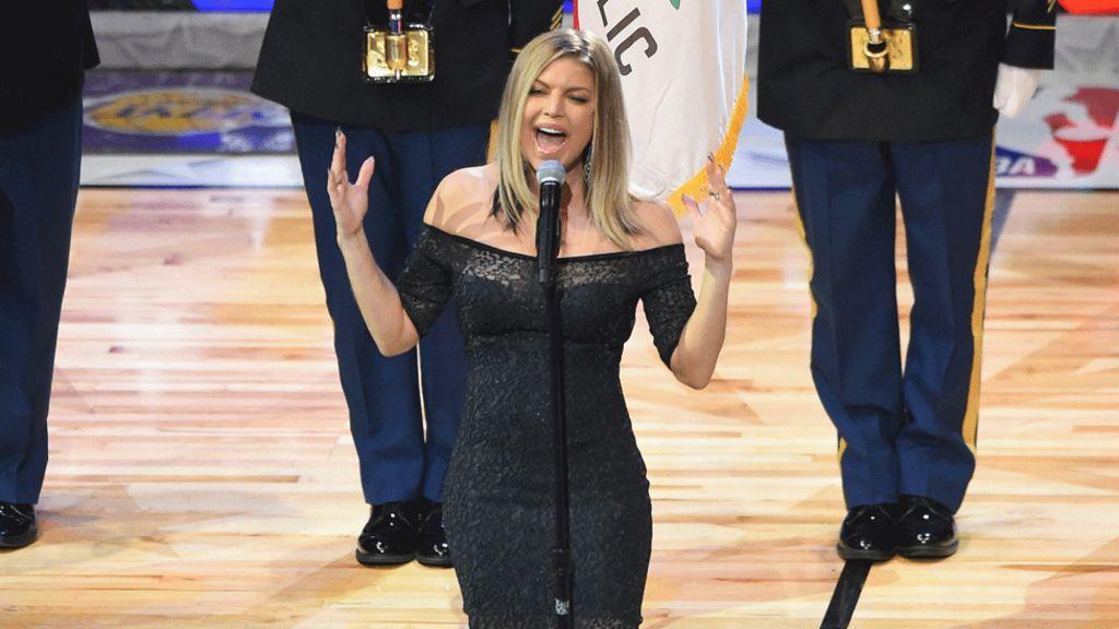 Fergie Apologises For Nba National Anthem Performance Bbc News