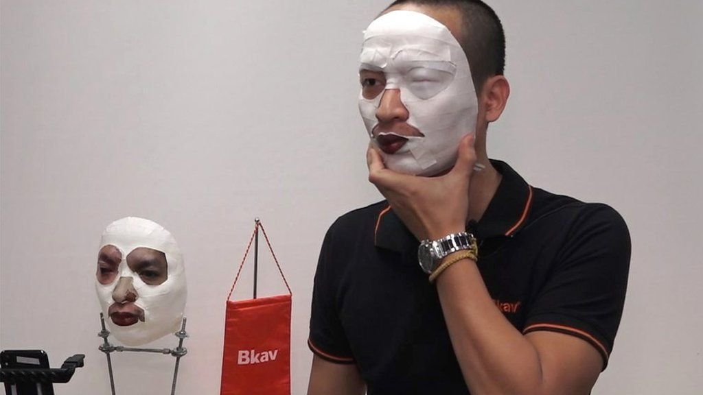 Face ID iPhone X 'hack' demoed live