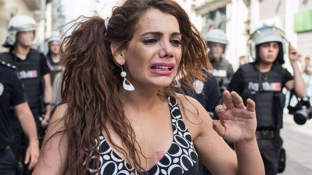 Hande Kader: Outcry in Turkey over transgender woman's murder