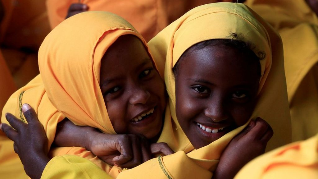 the somalian refugee crisis essay The world's largest refugee camp is invited to please shut down the kenyan government says it will clear its country of somali refugees before the end of this year.