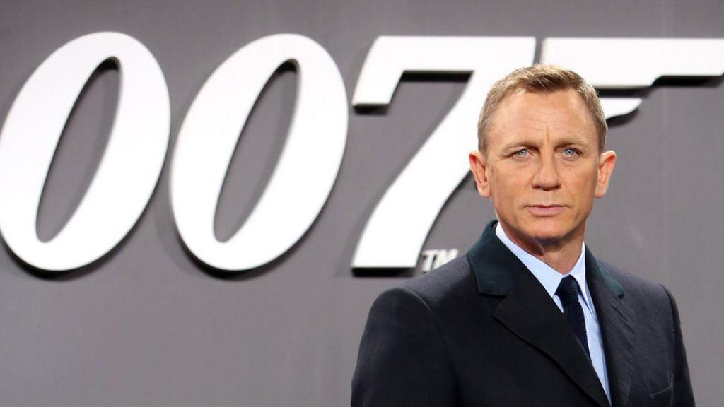 Daniel Craig is back as Bond: How did fans react?