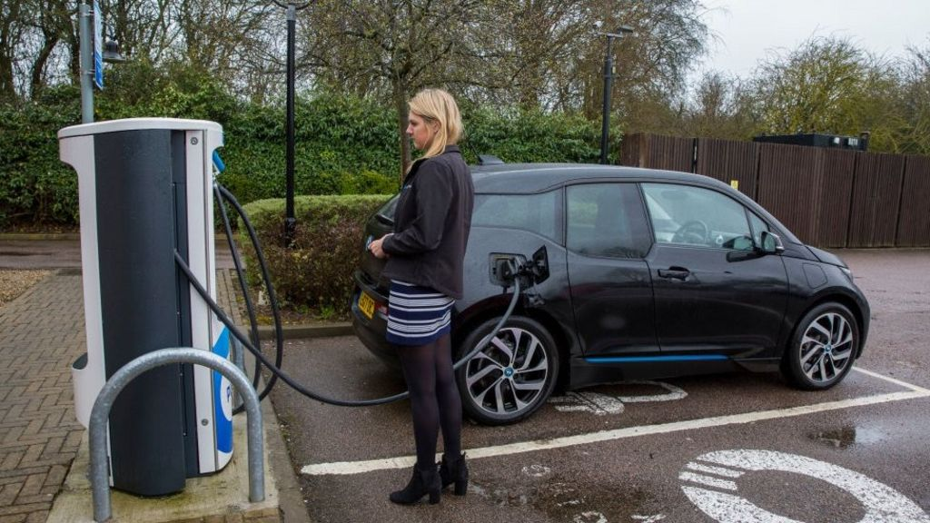 Electric cars 'will not solve transport problem,' report