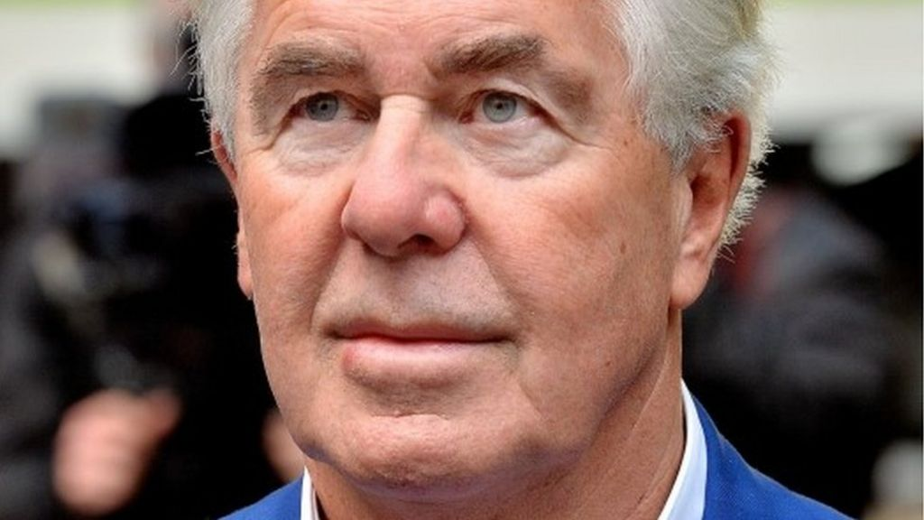 Max Clifford dies in hospital aged 74