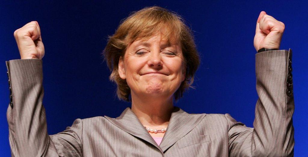 Angela Merkel, kreu i Partisë Demokratike Kristiane të opozitës, CDU, flet në mbledhjen e përgjithshme vjetore të Partisë Kristiane Demokratike të Saksonisë së Poshtme më 9 korrik 2005 në Emden, Gjermani