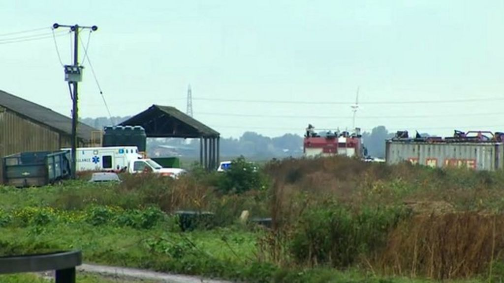 US Marine Corps pilot killed in F-18 jet crash in Cambridgeshire Fens - BBC News