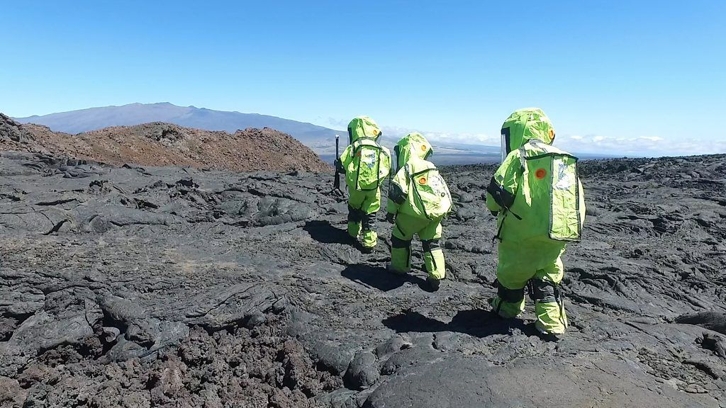 On a mission to Mars (with Hawaii stopover) - BBC News