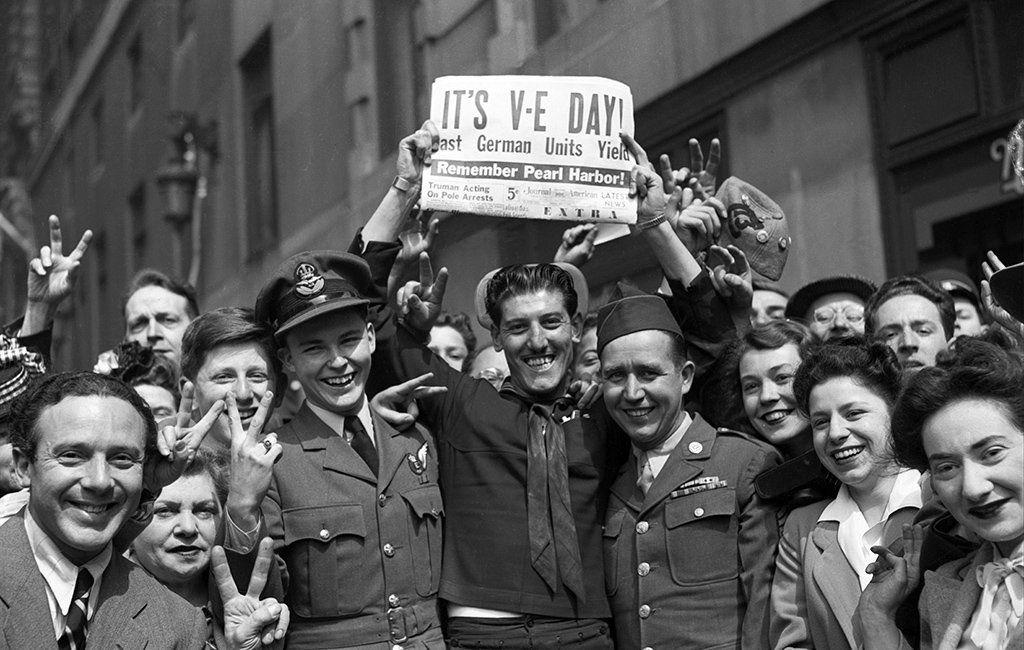 Crowds celebrate VE Day in London, 1945