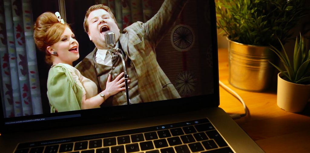 View of One Man Two Guvnors stage production - streamed online