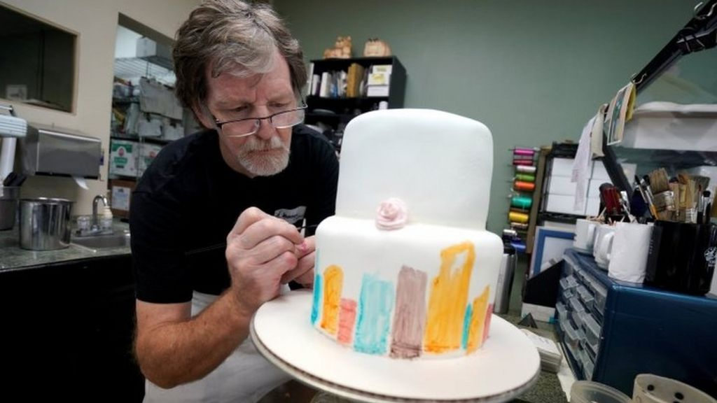Jack Phillips Decorates A Cake In His Shop Photo 21 September 2017
