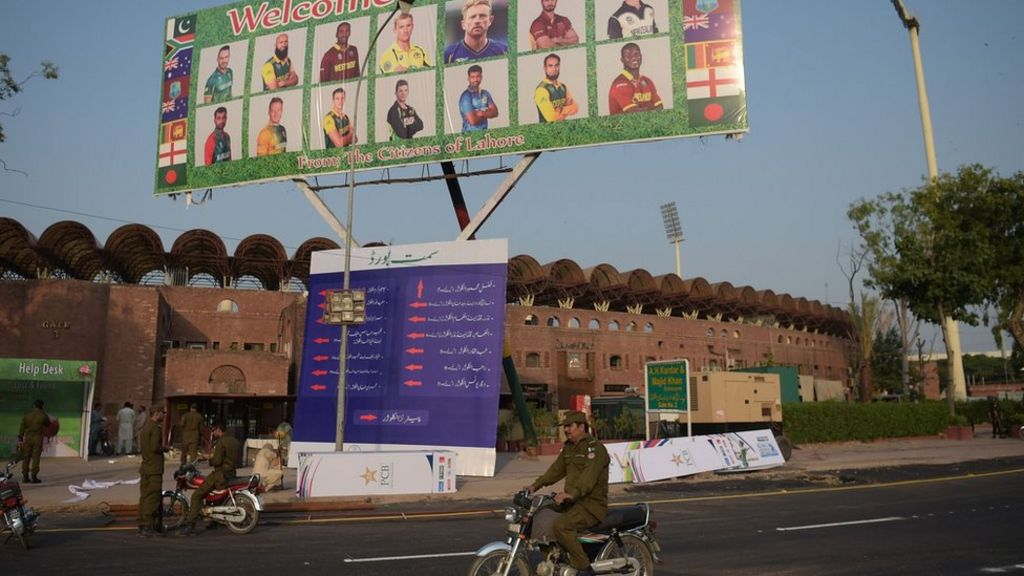 Security tight as foreign cricketers return to Pakistan