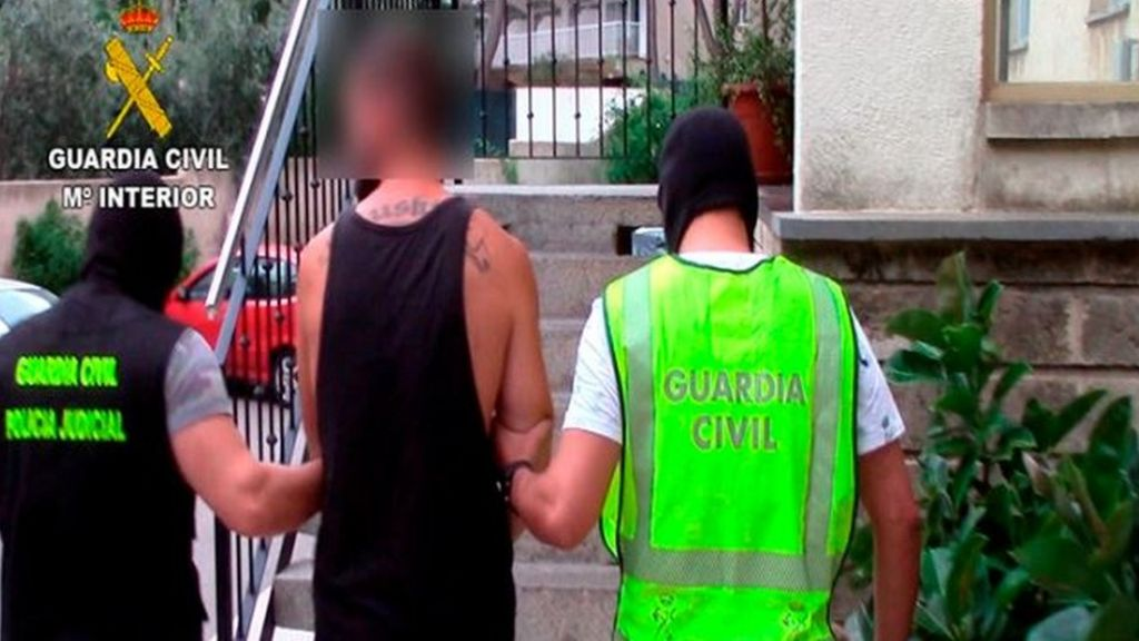 12 Britons arrested in Magaluf drugs raid