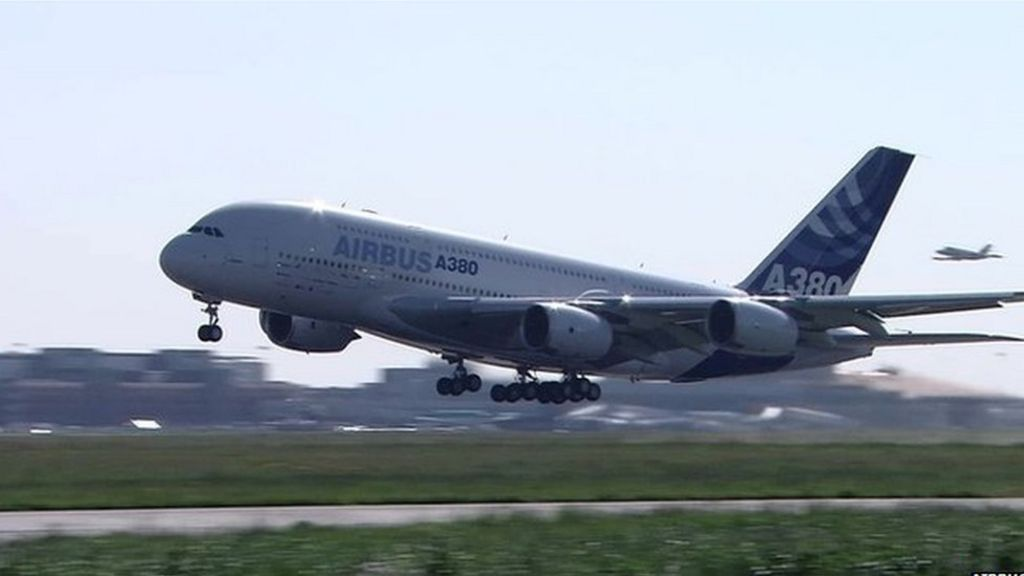 Airbus cuts superjumbo A380 production again