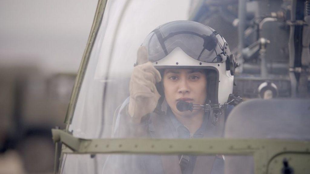 Gunjan Saxena India Female Pilot S War Biopic Flies Into A Row Bbc News