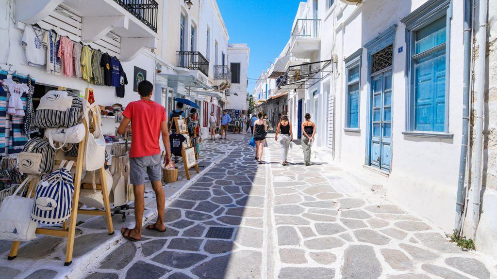 Sunny Street en Grecia