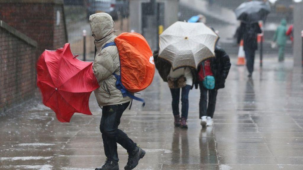 High risk of 'unprecedented' winter downpours - Met Office
