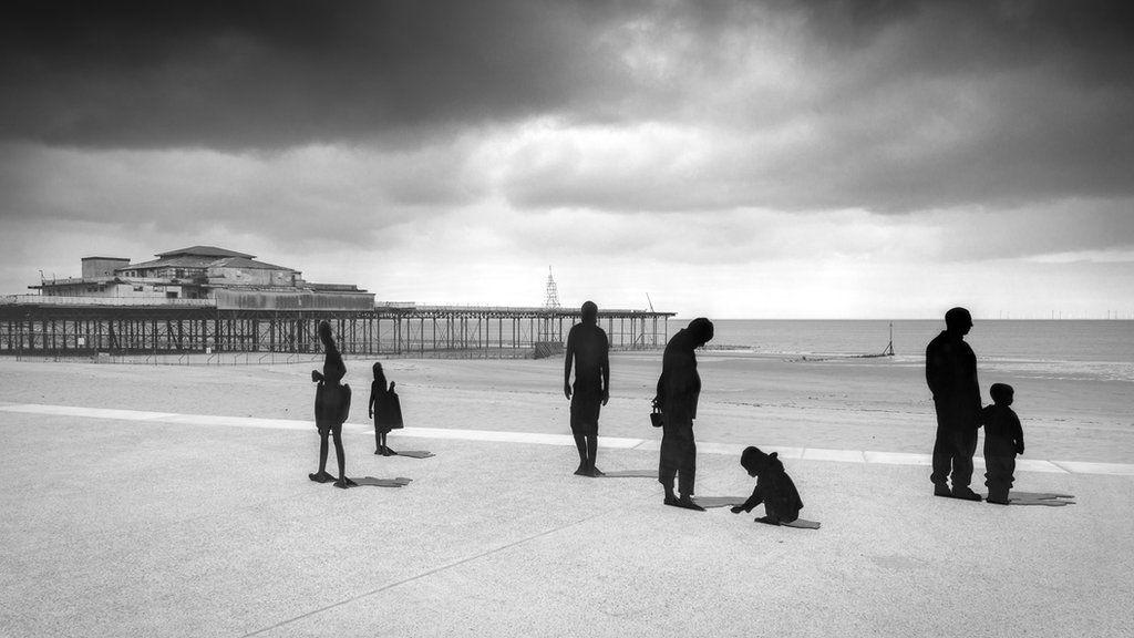 Y pier ym Mae Colwyn: Diwedd pennod ta dechrau un newydd? // Colwyn Bay pier: End of an era or a beginning o fa new chapter?