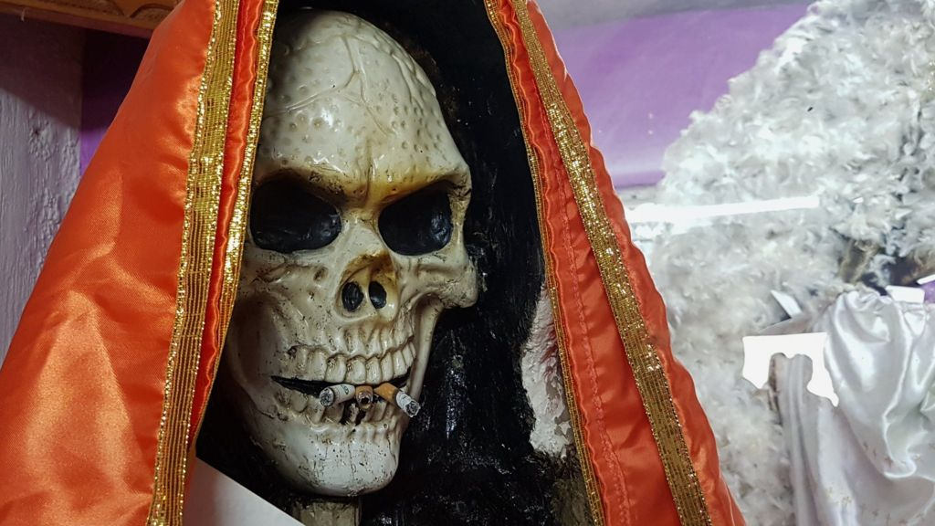 Santa Muerte: The rise of Mexico's death 'saint' - BBC News