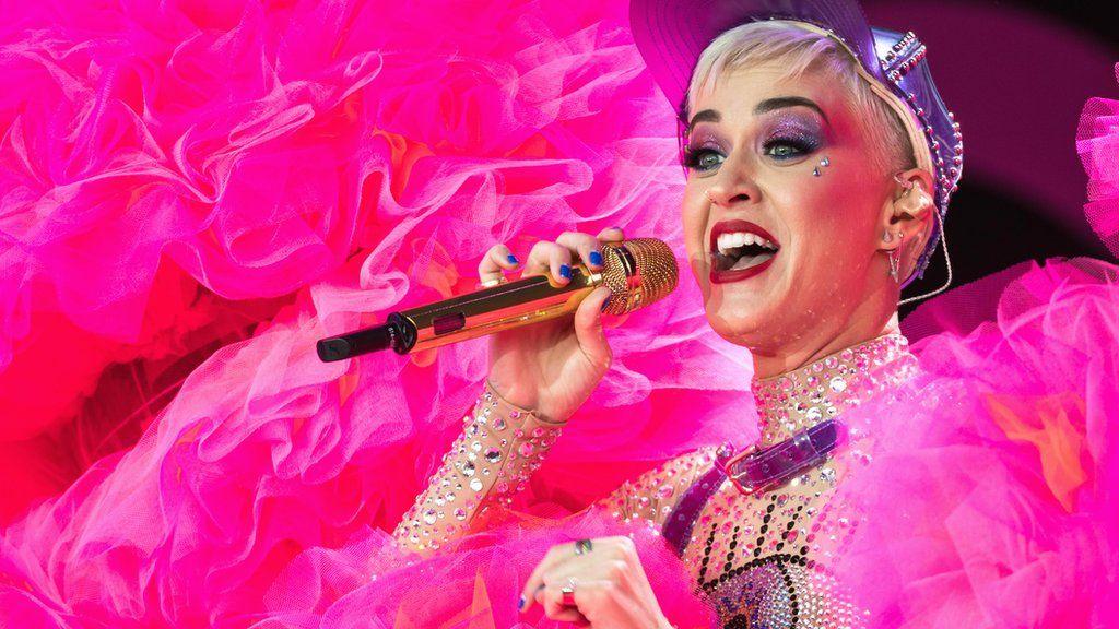 Katy Perry crowdsurfs at Glastonbury