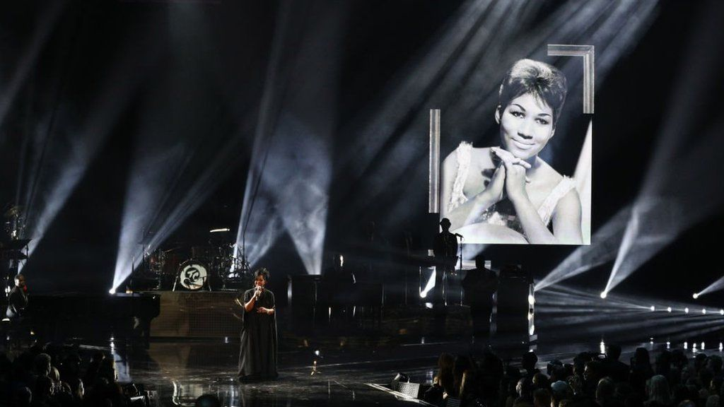 Gladys Knight performs at the AMAs