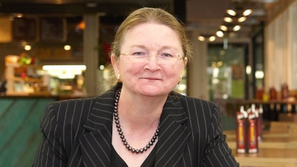University of Bath vice-chancellor quits in pay row