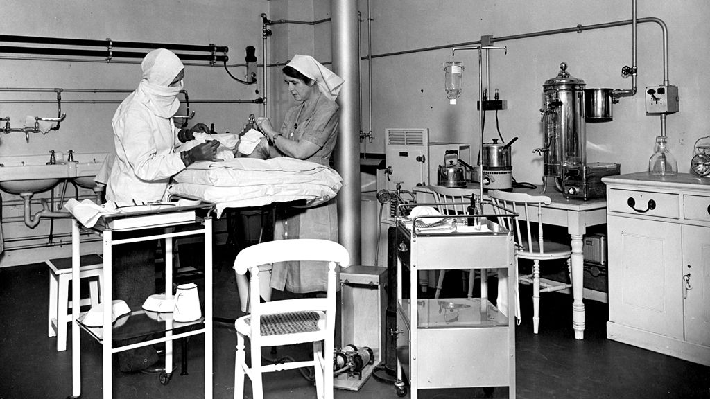 Hospital in vaults of the Bank of England during WW2