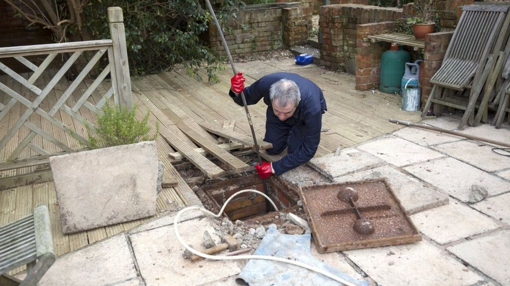 Householders warned about 'blocked drain fraud'