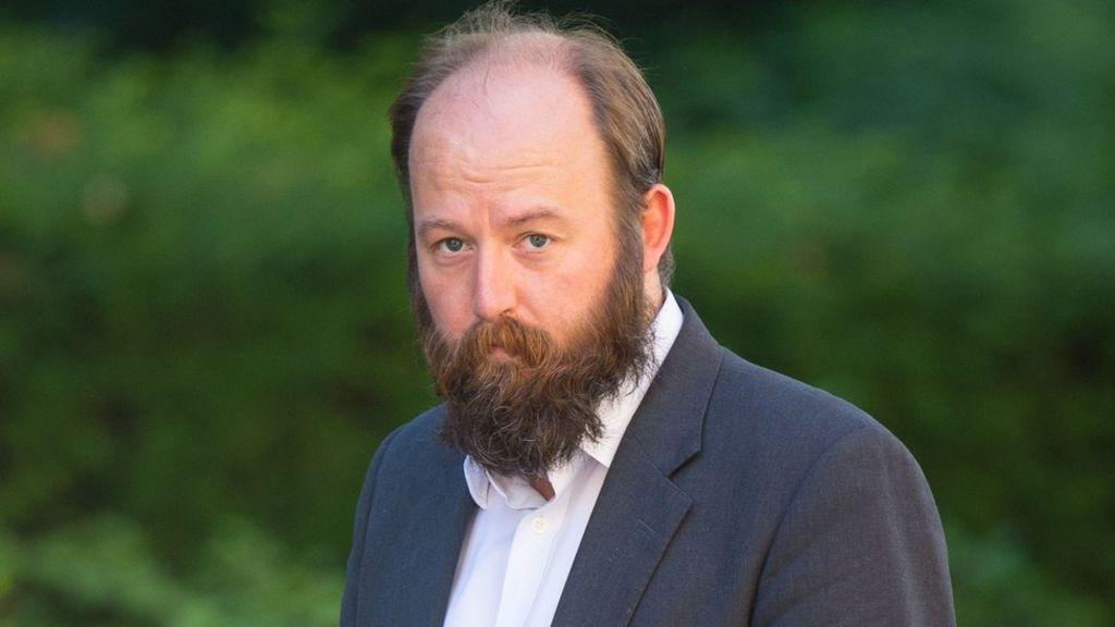 Former May adviser Nick Timothy calls student fees 'a Ponzi scheme' - BBC News
