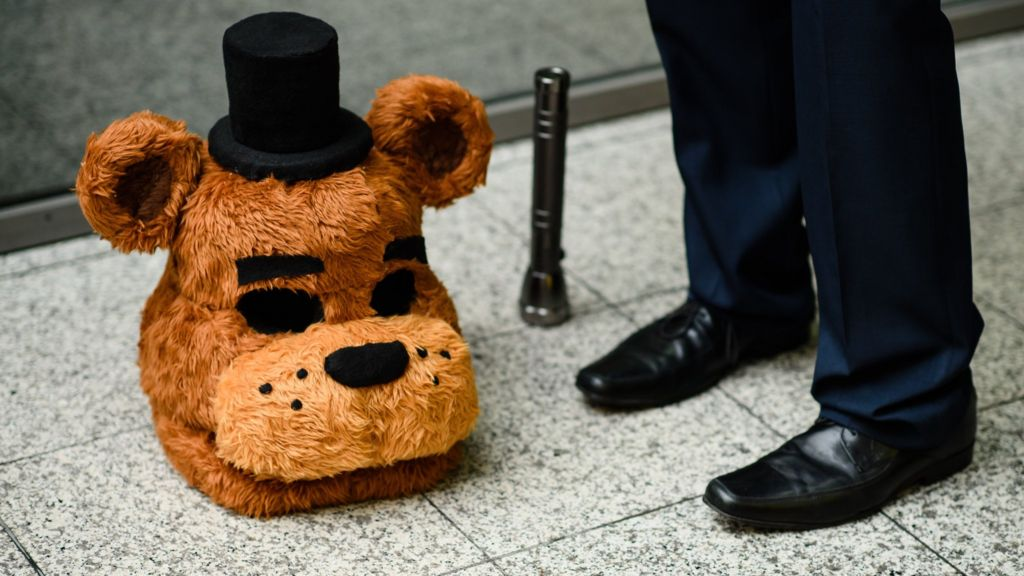 Latest Five Nights at Freddy's game pulled from Steam - BBC News
