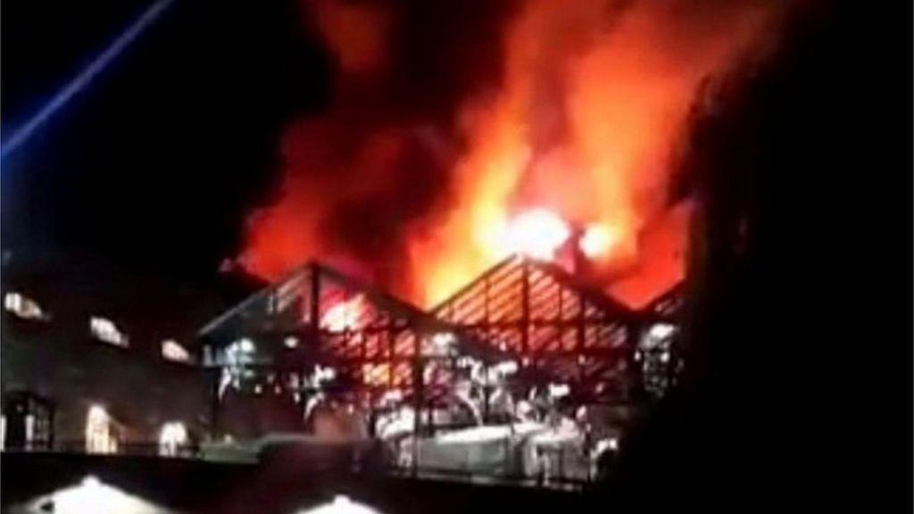 Fire hits London's Camden Lock Market – BBC News