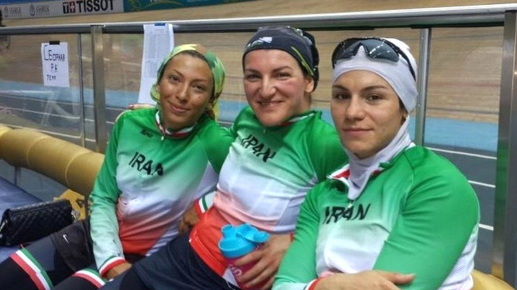 Ishbel with other Iranian cyclists