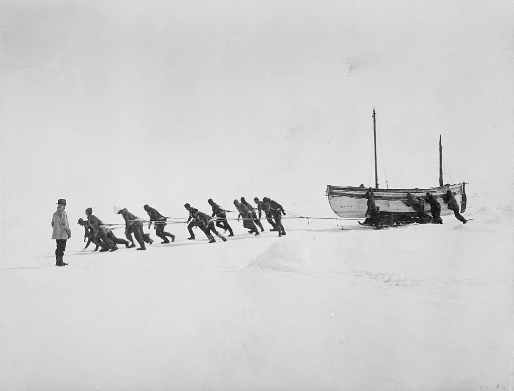 Crew of Endurance pull lifeboat James Caird