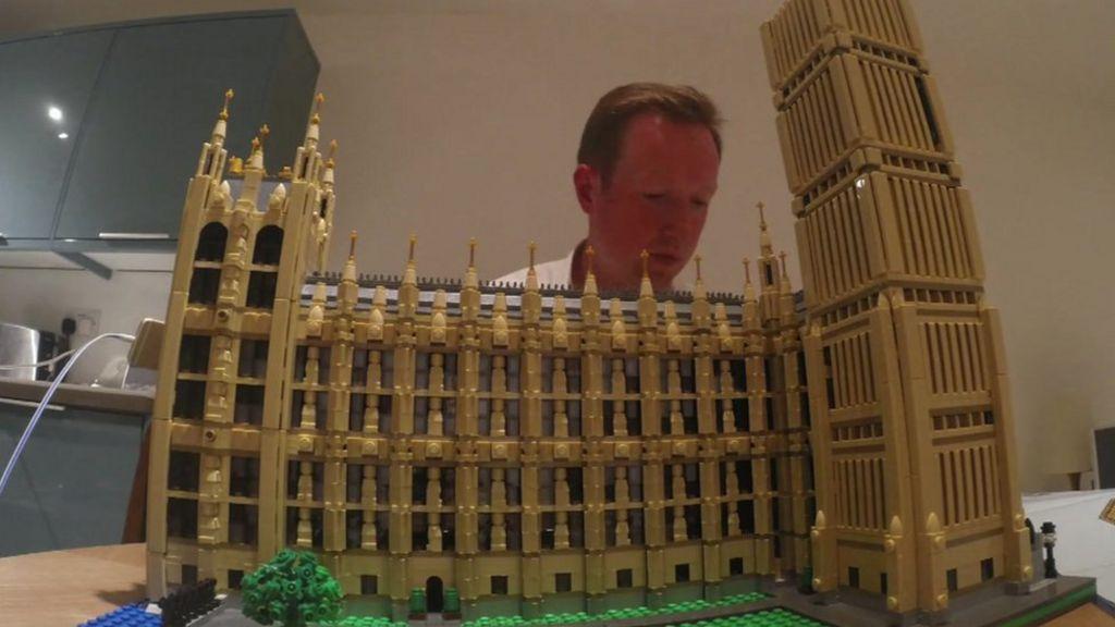 Building lego replica model of westminster parliament for Replica mobel england