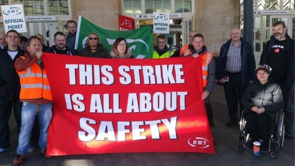 picket line in Hull