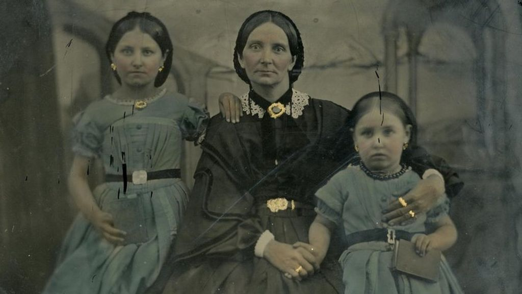 bbc.co.uk - Exhibition mines women's lives at Northern coalfields