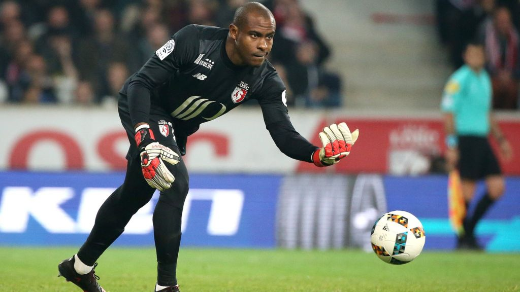 Vincent Enyeama: Nigeria keeper wants to play again - BBC Sport
