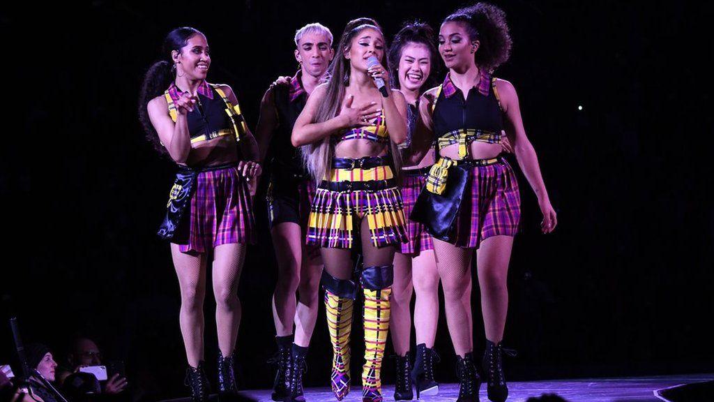 Ariana Grande Kicks Off Sweetener World Tour In New York Bbc News