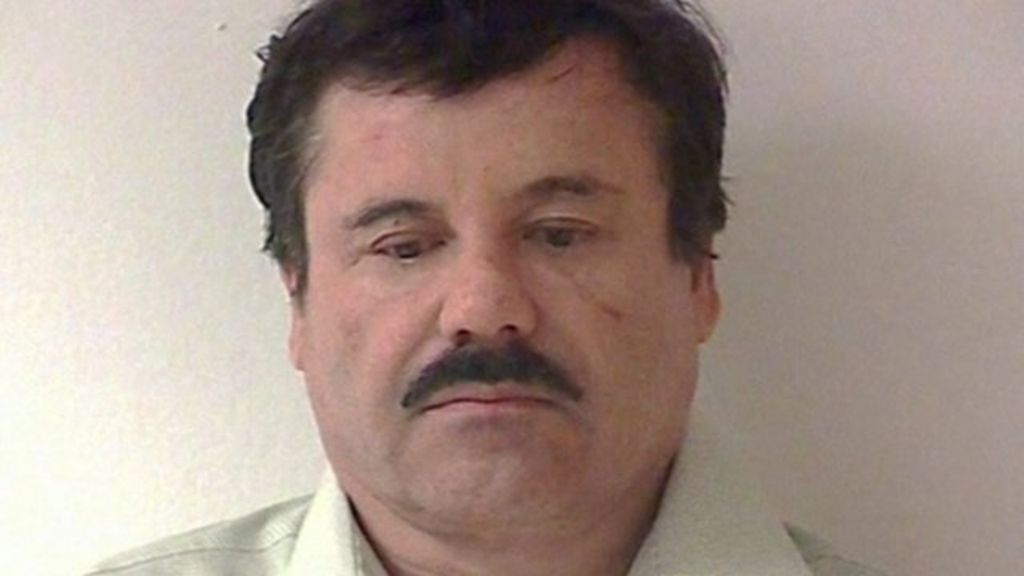 drug lord el chapo hunted in mexico after prison escape