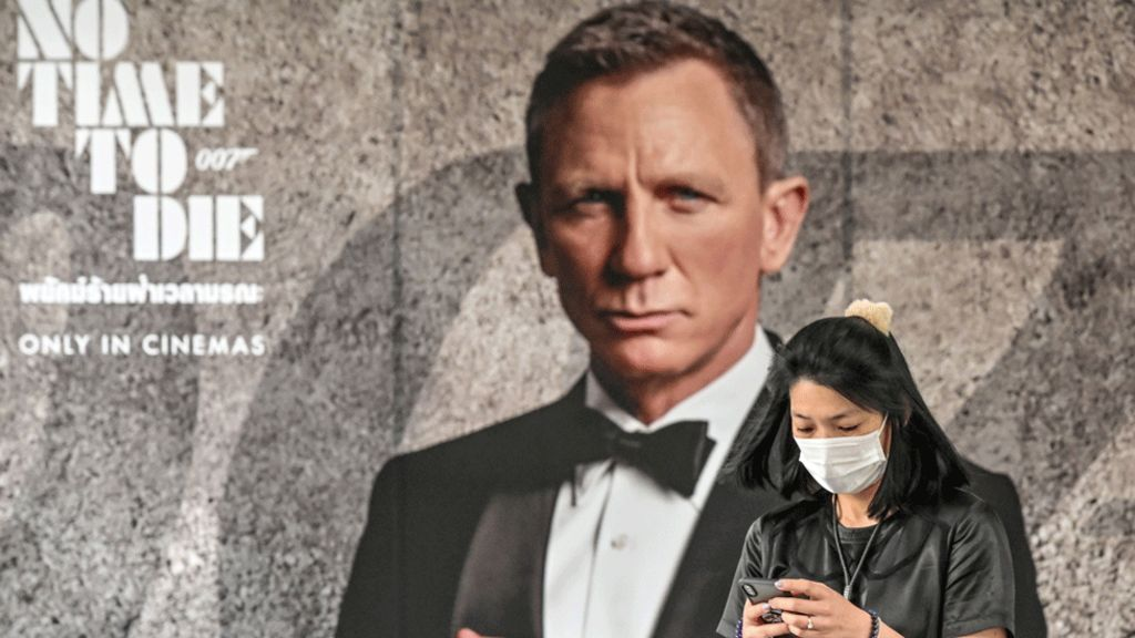 Bond fans ask for No Time to Die delay due to coronavirus - BBC News