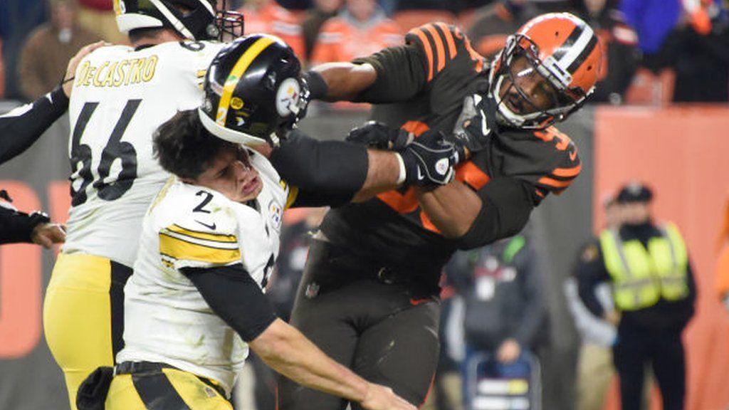 Myles Garrett Cleveland Browns Player Hits Steelers Mason Rudolph With Helmet Bbc Sport