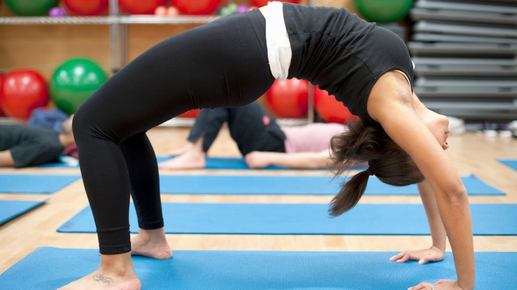 Should you wipe down your gym yoga mat to avoid germs? - BBC