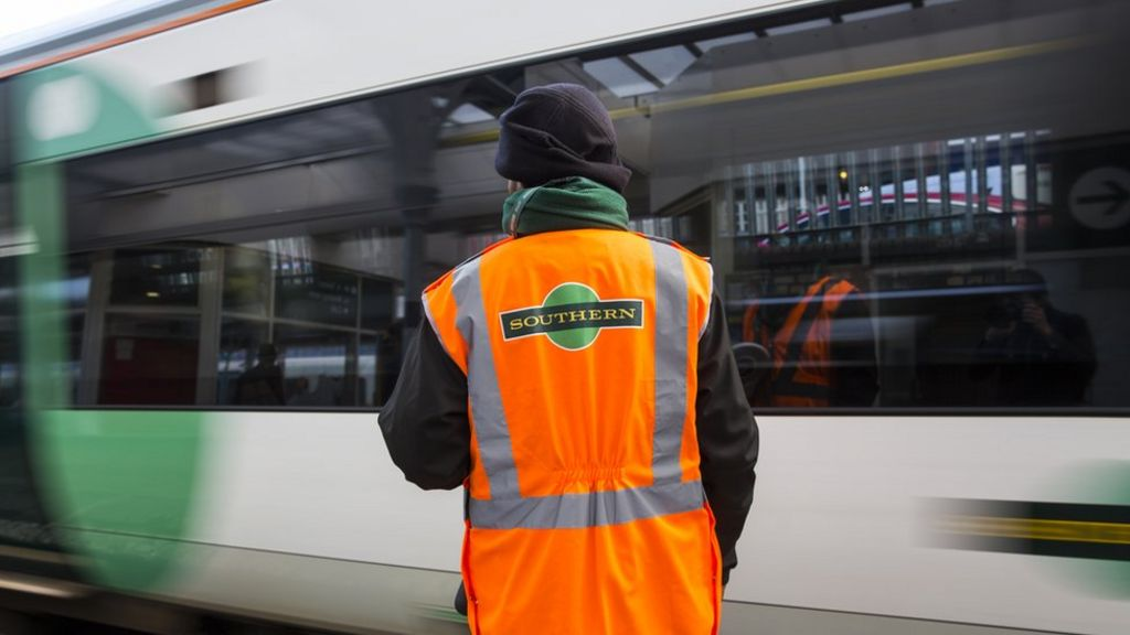 Southern rail: Government fines owners over delays