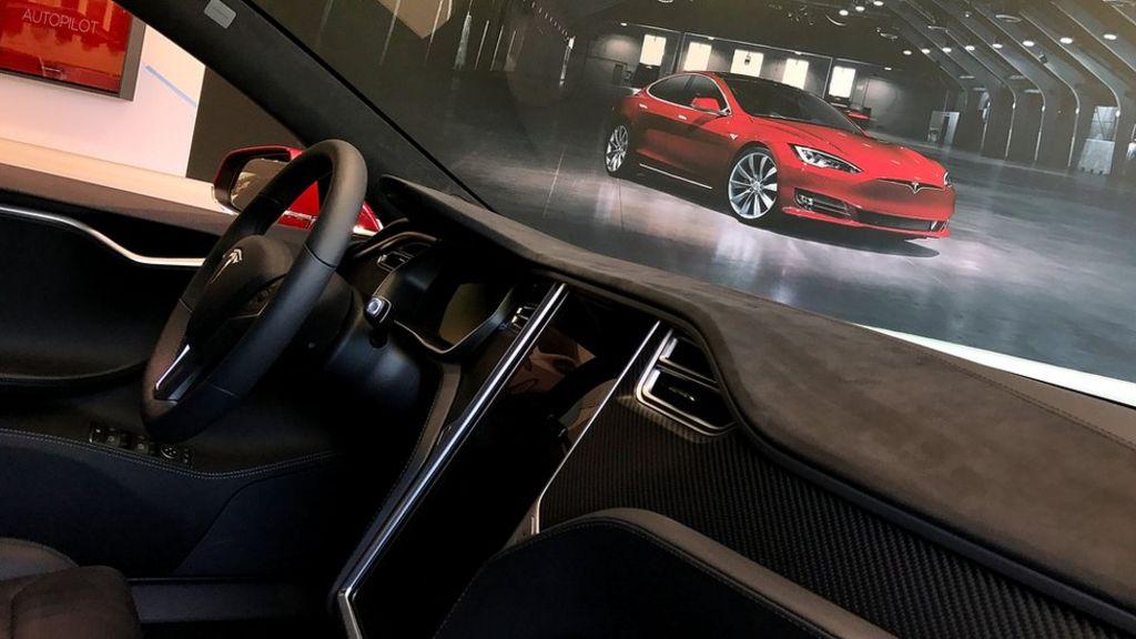 Tesla Autopilot 'partly to blame' for crash