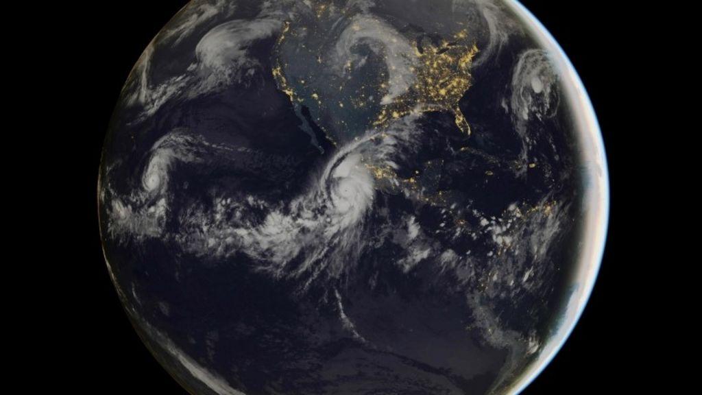Hurricane Patricia: Mexico awaits 'strongest ever' storm
