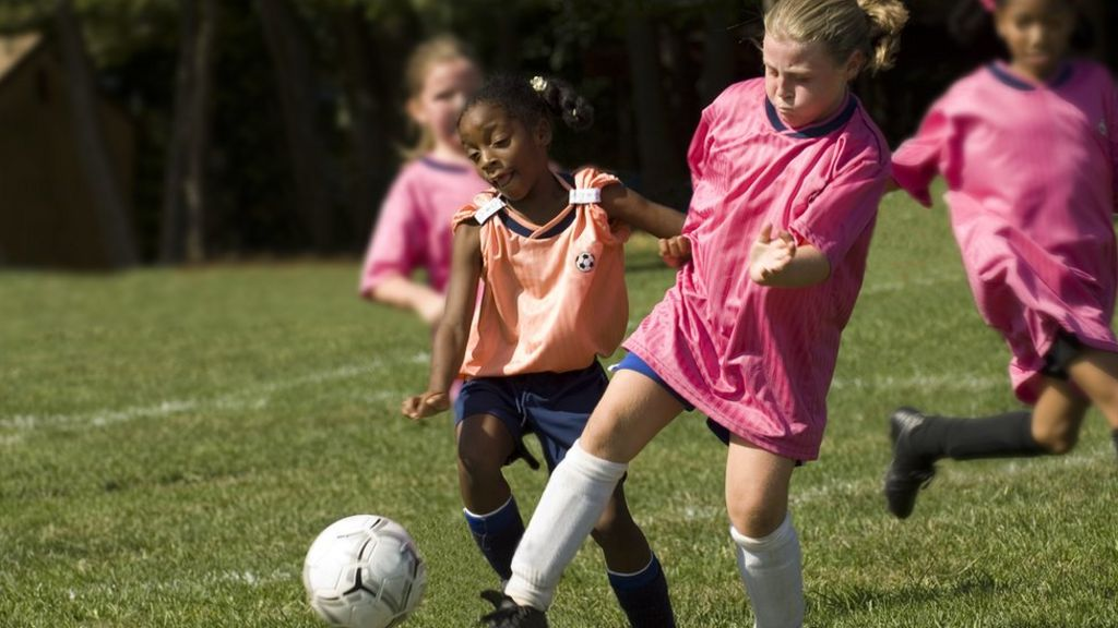 Girls in football: Plans for more girls' football in schools by 2024 - CBBC  Newsround