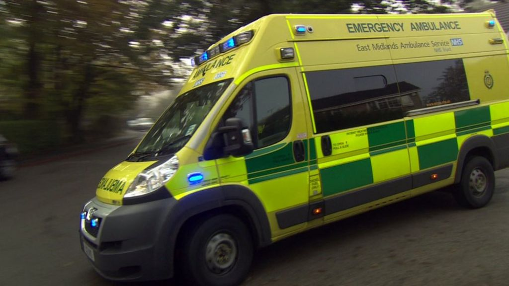 East Midlands Ambulance Service has busiest 48 hours - BBC News
