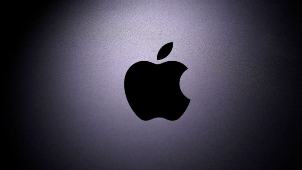 Tech Tent: Apple says goodbye to Intel - BBC News