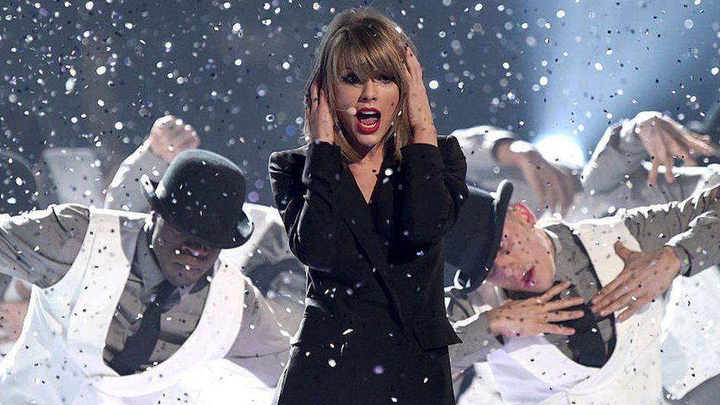 Taylor Swift at the 2015 Brits