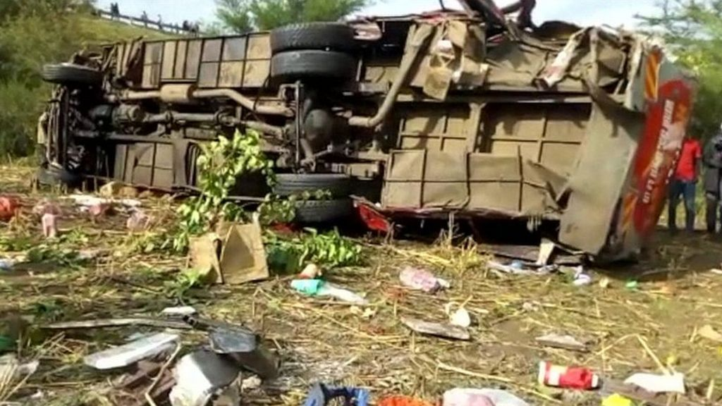 Kenya bus crash kills 50 on way to Kisumu