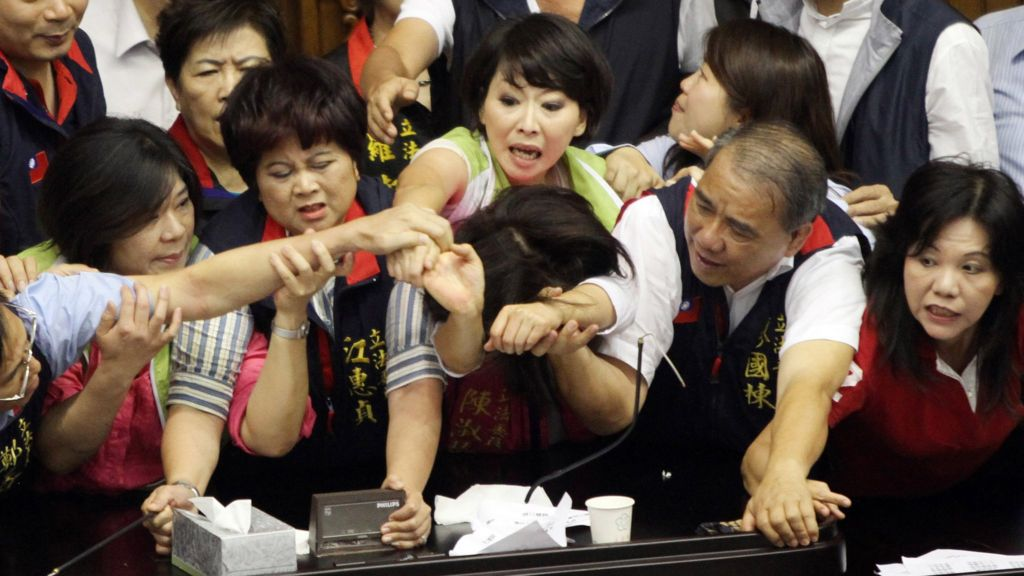 Taiwan, the place to be a woman in politics - BBC News